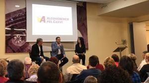 El cap de llista, Robert Figueras, durant l'acte de presentació de la candidatura d'Alcoverencs pel Canvi, aquest dissabte.