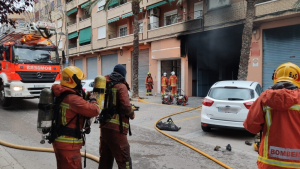 El foc s'ha produït en una cotxera de Paterna