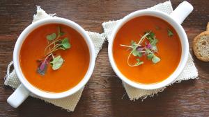 El gazpacho andaluz es una receta fácil de hacer, con pocas calorías y perfecta para los meses de calor.