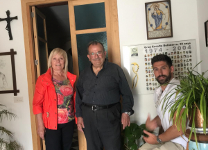 El mossèn Toni a la seva casa de Mallorca