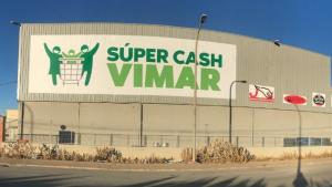 El supermercat Cash Vimar de Terol, a on va caure el veí de la Vall d'Uixó