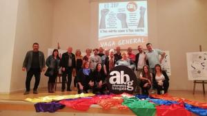 Els candidats de l'Alternativa Baix Gaià en una fotografia de família aquest dimarts.