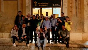 Els membres de la candidatura d'Agrupament Catalanista de Montblanc, celebrant els resultats.