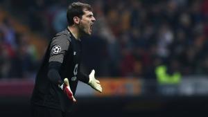 Iker Casillas, durant un partit amb el Porto.