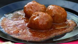 Imagen de archivo de unas albóndigas con salsa de tomate
