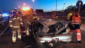 Imagen del coche siniestrado en el accidente de Teis