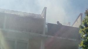 Imatge de l'incendi, al carrer de Centcelles de Constantí