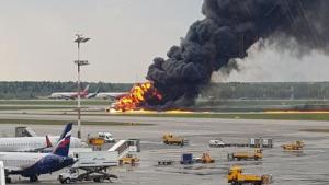 Imatge de l'incendi de l'avió a Moscou