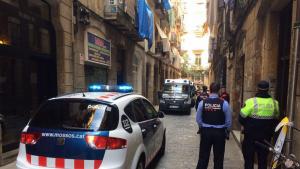 Imatge de l'operatiu policial desplegat al lloc dels fets