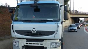 Imatge del camió que posteriorment es va accidentar al Baix Llobregat