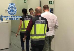 Imatge dels detinguts en l'aeroport de l'Altet