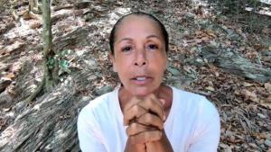 Isabel pide a su fans que la apoyen para quedarse en la isla