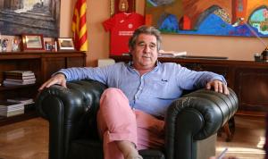 Josep Andreu durant l'entrevista al seu despatx de l'Ajuntament de Montblanc.