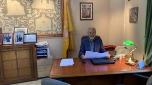 Josep Lluís Cusidó, al seu despatx a l'Ajuntament de Vallmoll.