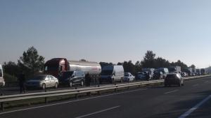 L'accident del camió ha causat cues quilomètriques a l'AP-7 en direcció Barcelona