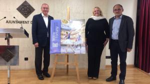 l'alcalde de Reus, Carles Pellicer, la regidora de Cultura, Montserrat Caelles i el gerent del mateix teatre, Josep Margalef