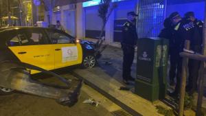 L'home va robar el taxi per poder fugir