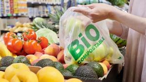 Lidl cambia las bolsas de plástico de las frutas y verduras por biocompostables
