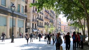 Llogar un comerç suposa un cost de 275 euros mensuals per cada metre quadrat