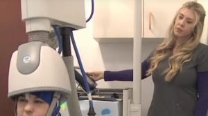 Los pacientes reciben cierta corriente eléctrica en una zona concreta del cerebro