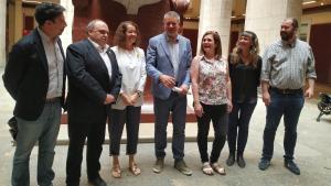 Pau Ricomà, al centre, acompanyat dels regidors d'ERC que formaran part del plenari de l'Ajuntament de Tarragona.