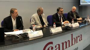 Richard Schrock (segon per l'esquerra), a la primera conferència a Tarragona aquest dilluns