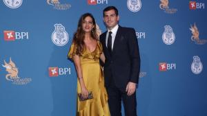 Sara Carbonero e Iker Casillas durante la Gala de los Dragones de Oporto