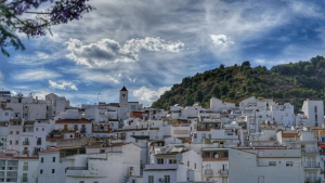 Tarde tranquila y cálida en Tolox (Málaga)