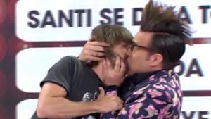 Torito y Tanti Millán se besan en 'Viva la vida'