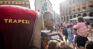 Trapezi 2018   Espectacles itinerants pels carrers de Reus