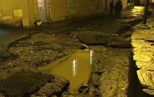 Un aguacero estacionario en el valle de Campan, en los Pirineos franceses, ha provocado esta noche graves inundaciones