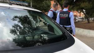 Un home que feia autoestop és atracat a Manresa pel conductor que el recull