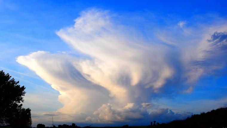 El dijous farà una jornada de cels ennuvolats, i pluja i tempestes a la tarda