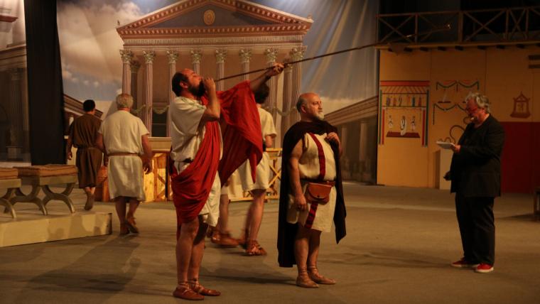 Els figurants que han recreat com eren unes eleccions en l'època dels romans en la cloenda del festival de Tarraco Viva