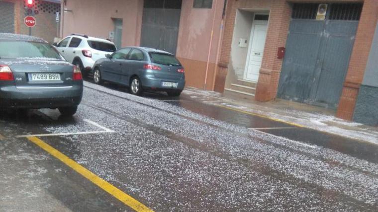 Imatge de la calamarsada avui a Oliva