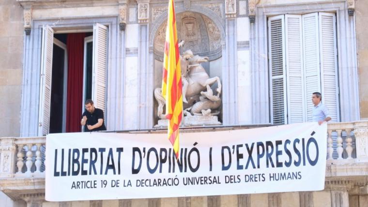 Imatge de l'última pancarta que Torra ha penjat al Palau de la Generalitat