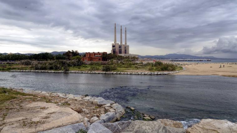 Imatge del riu Besòs al seu pas per Sant Adrià de Besòs