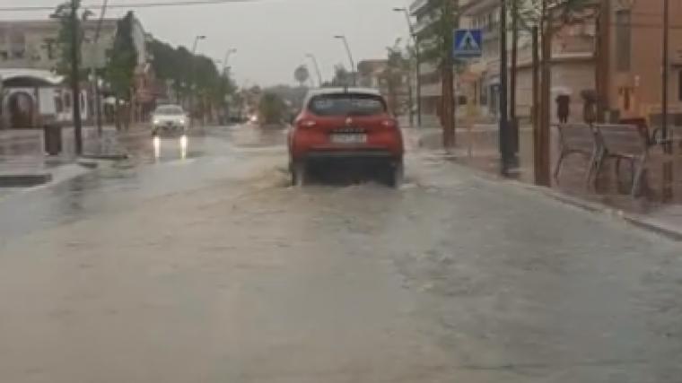 Imatge dels carrers de Miami Platja inundats aquest divendres