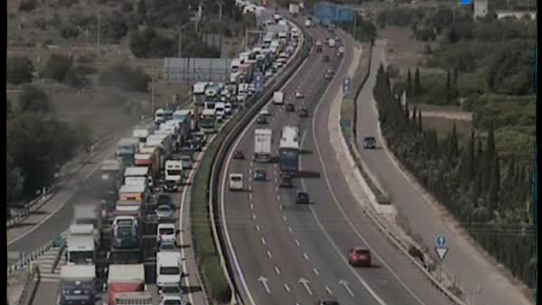 Retencions kilomètriques en l'A7 entre Bétera i Manises