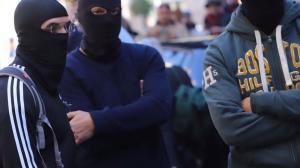 Agents de la policia espanyola encaputxats