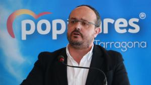 Alejandro Fernández (PP), durant el seu discurs d'aquest matí a Salou.