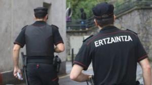 Apuñala a otro joven tras quitarle la cartera en el exterior de una discoteca de Bilbao