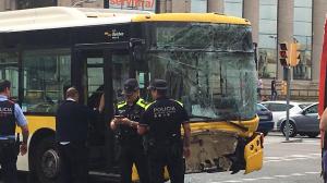 Así ha quedado uno de los autobuses implicados