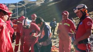 Bomberos Bolivianos han rescatado el cuerpo y al español herido