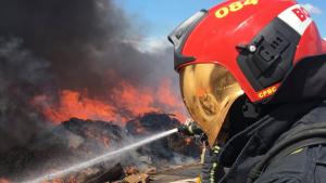 Bombers de Castelló en l'incendi d'Almassora