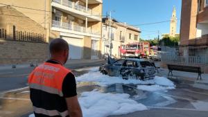 Crema per complet un cotxe a l'Arboç