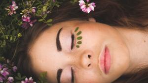 Descubrimos algunos de los principales beneficios del aceite de coco para la piel de la cara.