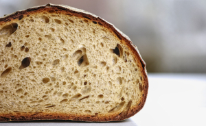 Descubrimos cómo hacer pan de trigo sarraceno en casa, sin levadura y son gluten.