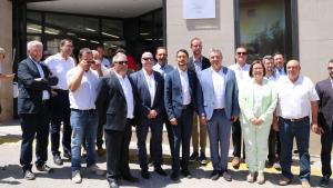Diverses autoritats amb el conseller Damià Calvet, a Juncosa