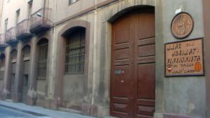 Edifici de Ca Xapes a la Muralla de Sant Antoni de Valls.